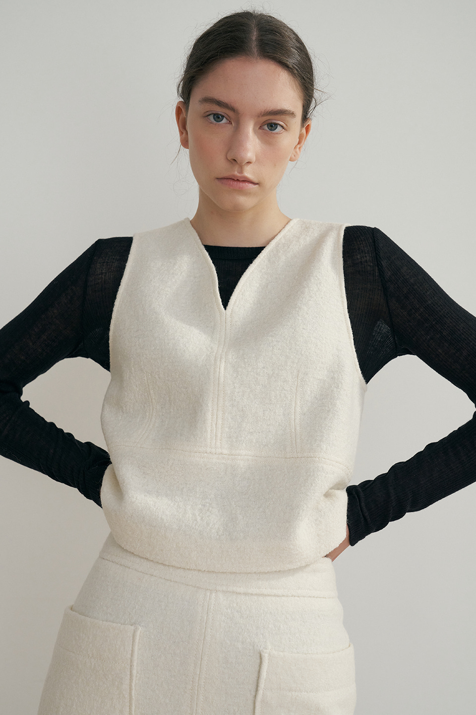 wool cropped vest (ivory)
