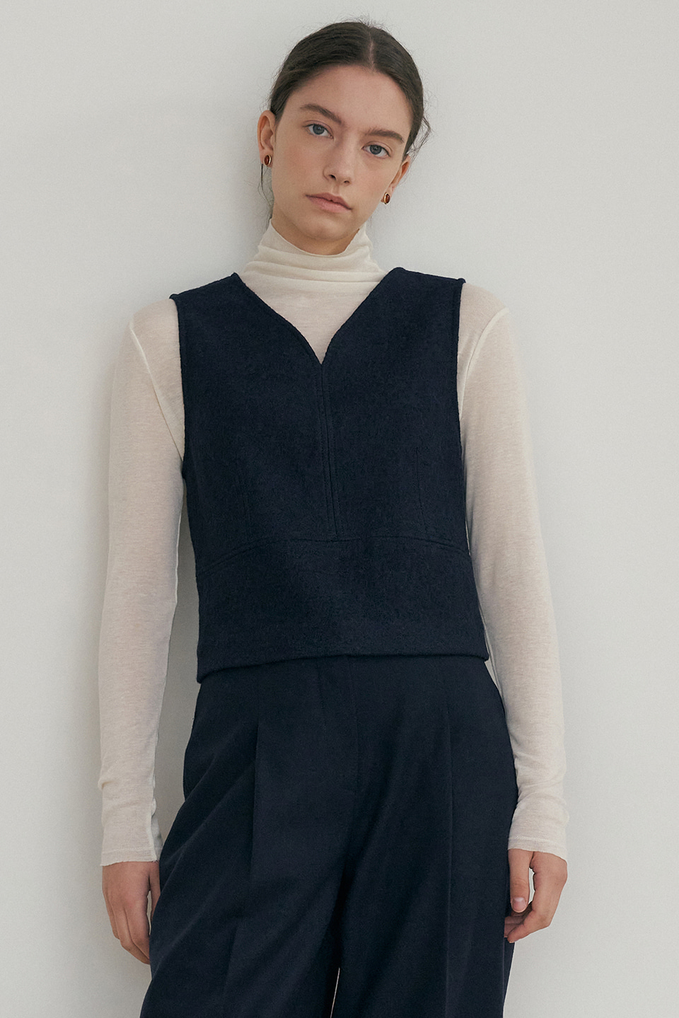wool cropped vest (navy)