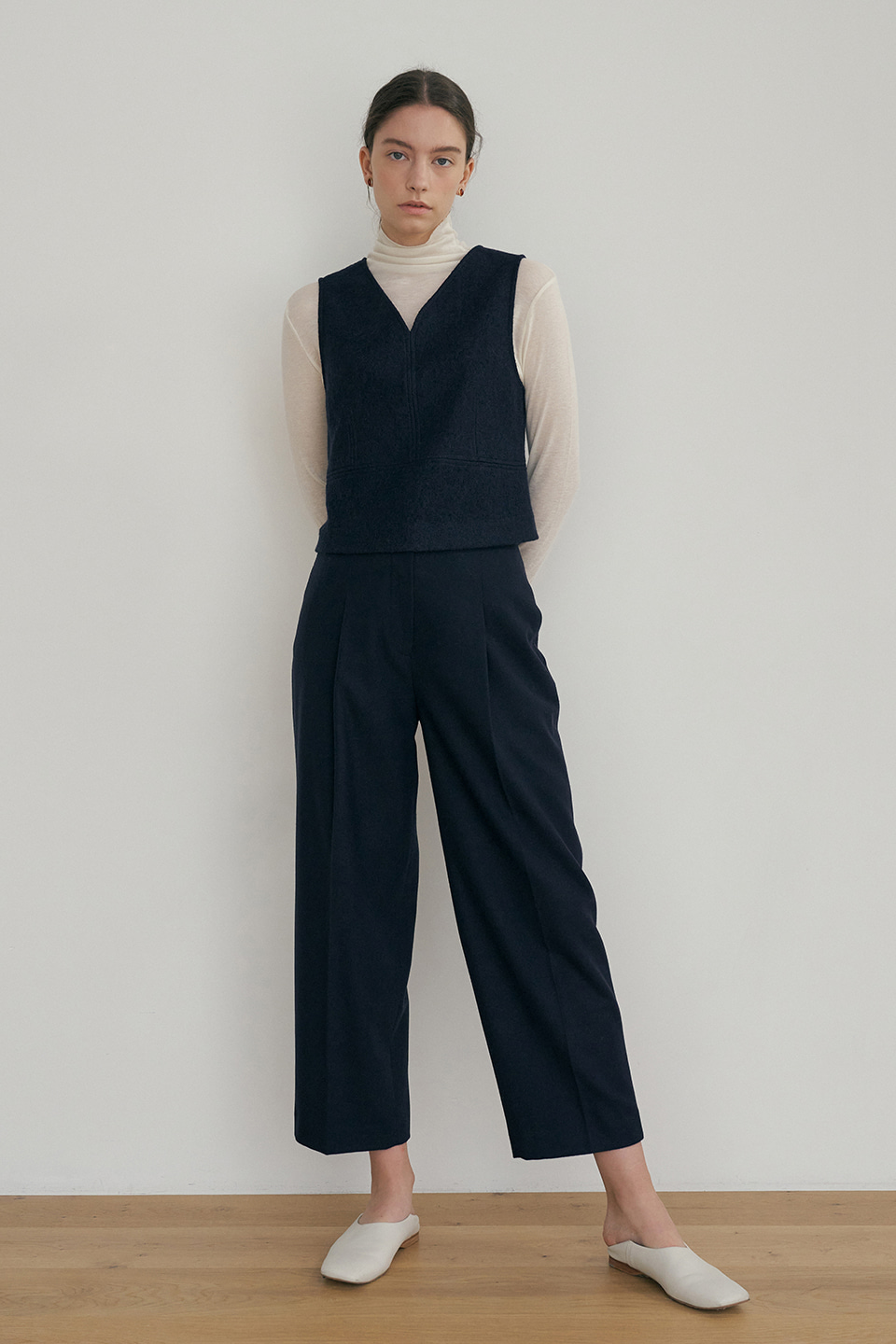 raw cut wool pants (navy)