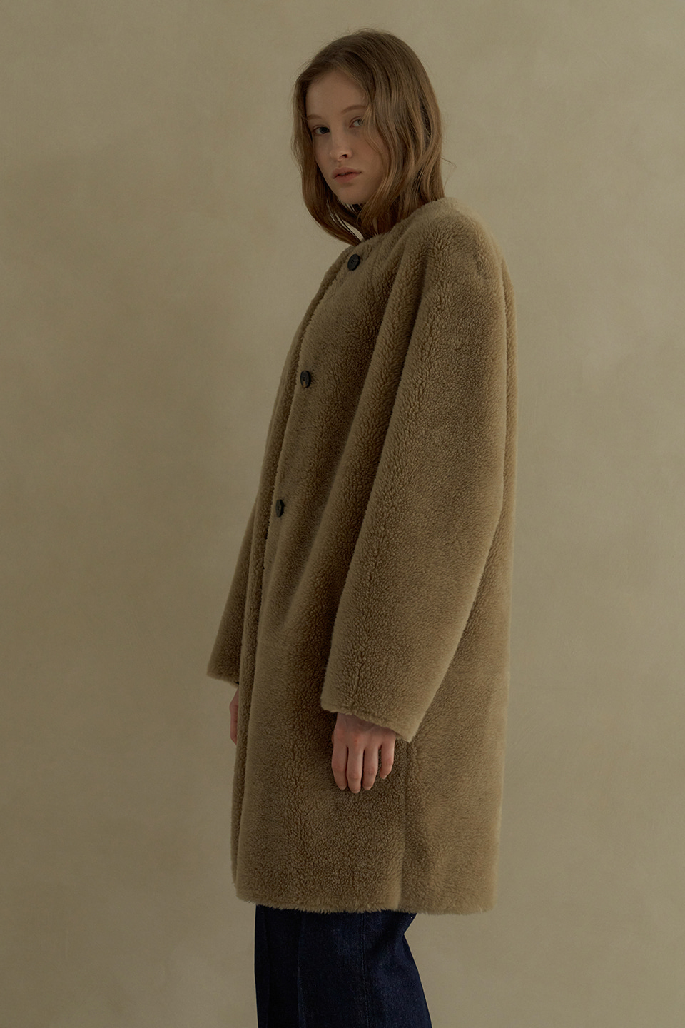 wool round reversible shearing coat (beige)
