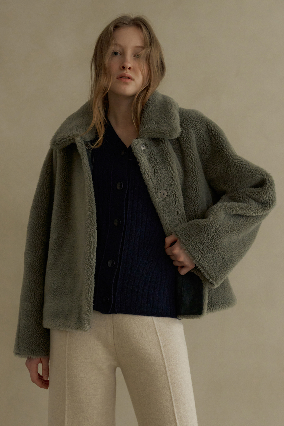 wool cropped reversible shearing coat (grey)